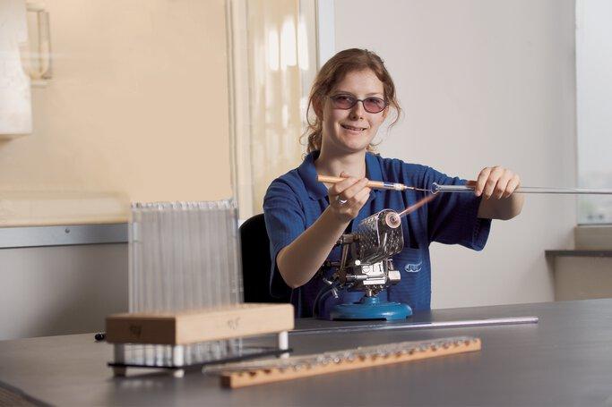 Glasapparatebauer in der Ausbildung