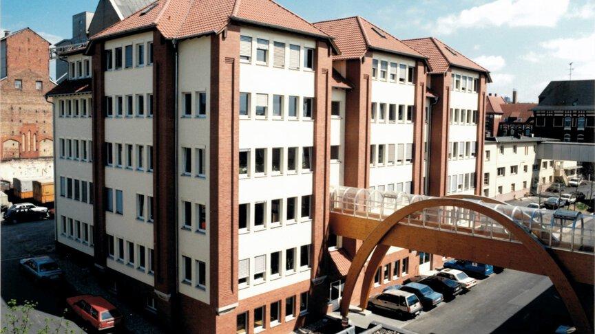 New building of JUMO, 1991