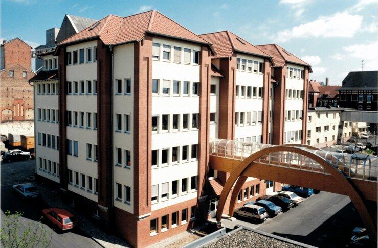 Nieuw gebouw van JUMO, 1991