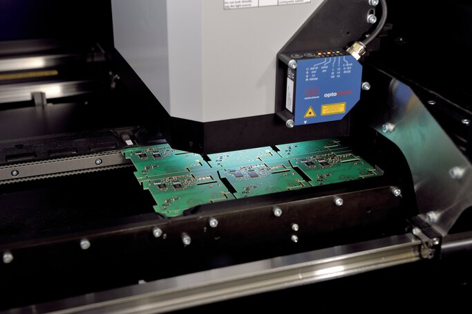 Mounting of electrical assemblies