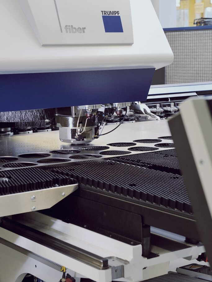 Flexible sheet metal processing with state-of-the-art punching technology