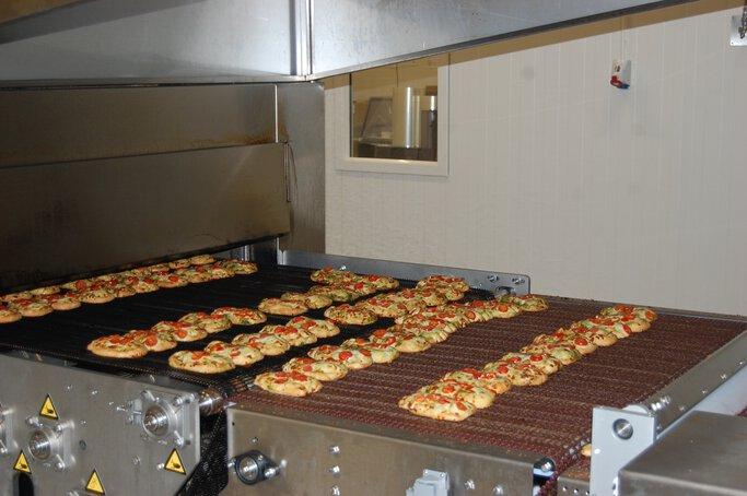 Dough conveyor belt 2
