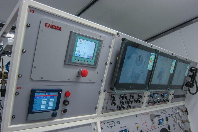 JUMO diraVIEW und LOGOSCREEN in der Dekompressionskammer © IHC Hytech B.V.